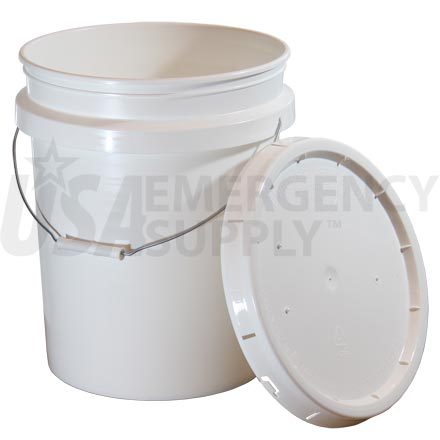 Food Storage Buckets - 5 Gallon Titan Plastic Bucket with Rubber Gasket and Lid